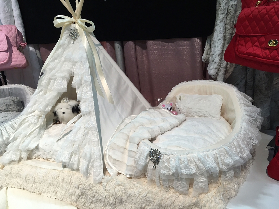 Bassinet Dog Bed In Snow White Glamour Mutt